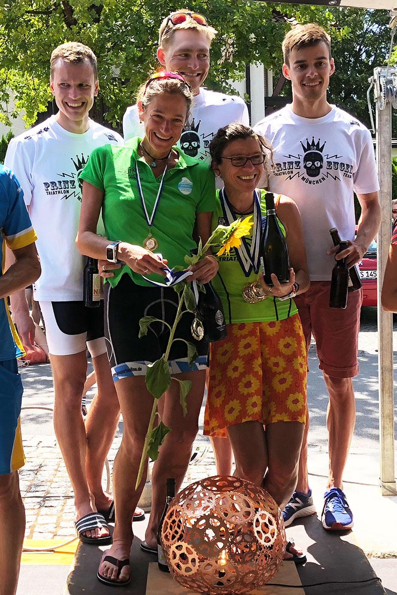 TRIATHLON WÖRTHSEE 2018 Sensationelle Gesamtleistung der SCPE Triathleten / 1. Platz mit dem Team mit David, Sven und Jakob (v.l.n.r.) © Stefan Drexl